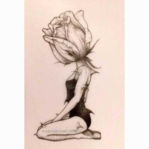 девушка роза карандашом